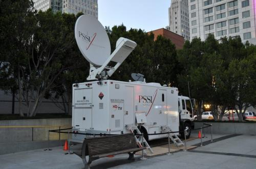 234954 apple satellite truck 500